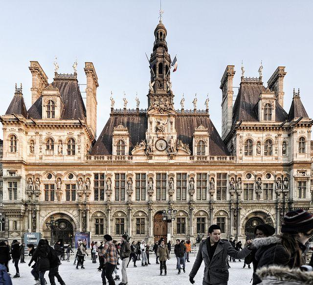 Patinage Place de l'Hotel de Ville by Laurent photography, via Flickr