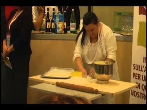 Il re giglietto, dolce tipico di Palestrina.