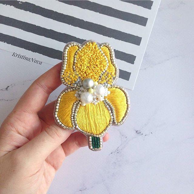 Автор @by_kristina.nova 〰〰〰〰〰〰〰〰〰〰〰〰〰〰 По всем вопросам обращайтесь к авторам изделий!!! #ручнаяработа #брошьизбисера #брошьручнойработы #вышивкабисером #мастер #бисер #handmade_prostor #handmadejewelry #brooch #beads #crystal #embroidery #swarovskicrystals #swarovski #купитьброшь #украшенияручнойработы #handmade #handemroidery #брошь #кольеручнойработы #кольеизбисера #браслеты #браслетручнойработы #сутажныеукрашения #сутаж #шибори #полимернаяглина #украшенияизполимернойглины