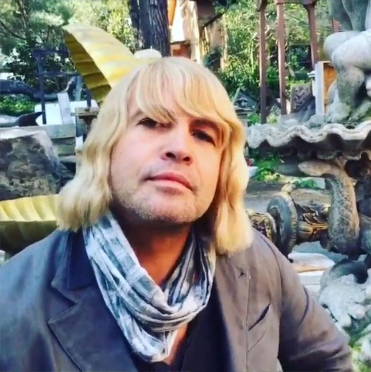 Billy Zane has officially joined Zoolander 2... check the very first image.