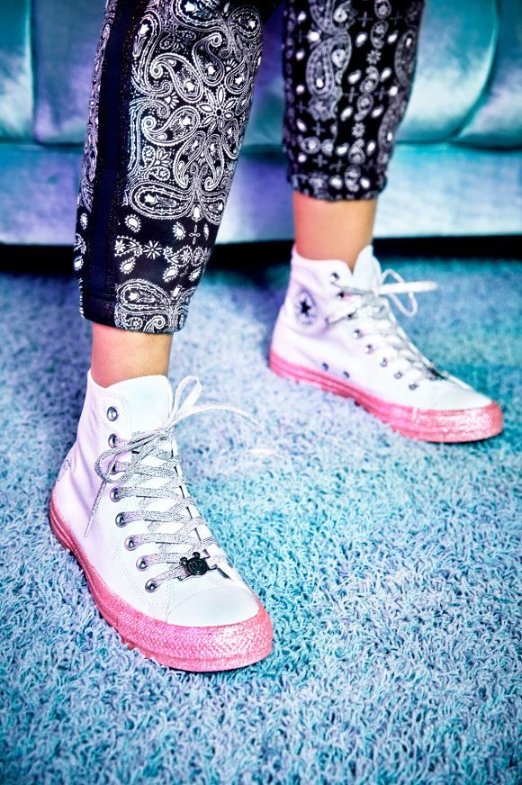 Converse X Miley Cyrus fabric high-top sneakers - Bershka  conversexmiley   converse  mileycyrus  miley  chucktaylor  fashion  product  young  trend   trendy ... 9bffcc7a2