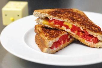 Neworld Cafe American, Sandwiches  Wraps  3742 Far West Blvd -101, Austin, 78731 https://munchado.com/restaurants/view/52883/neworld-cafe