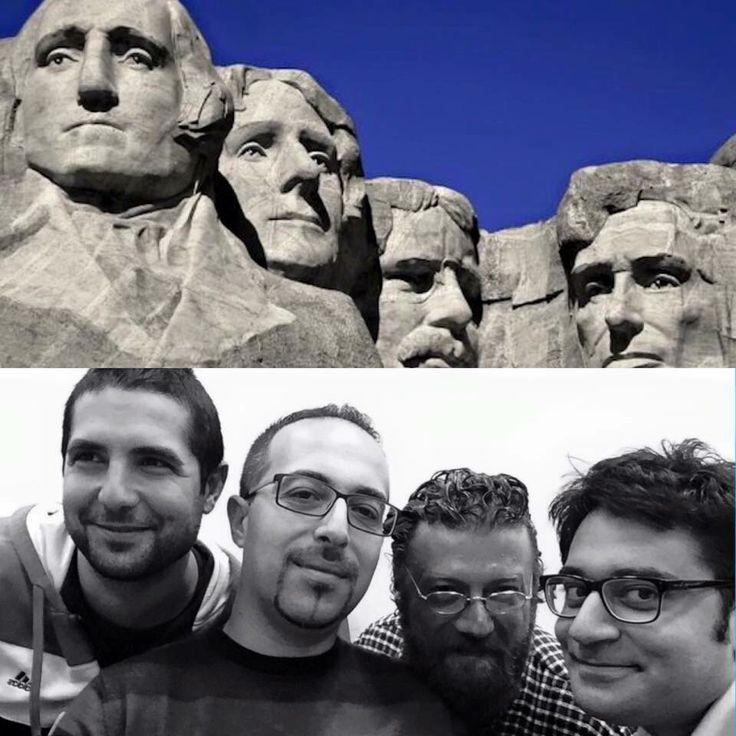 Monte Rushmore Fotografia Divertimento Somiglianze Attori Attrici Cantanti Gruppi Facebook Sosia  Spettacolo Musica Pin Cartoni Film Gioco Televisione Amici