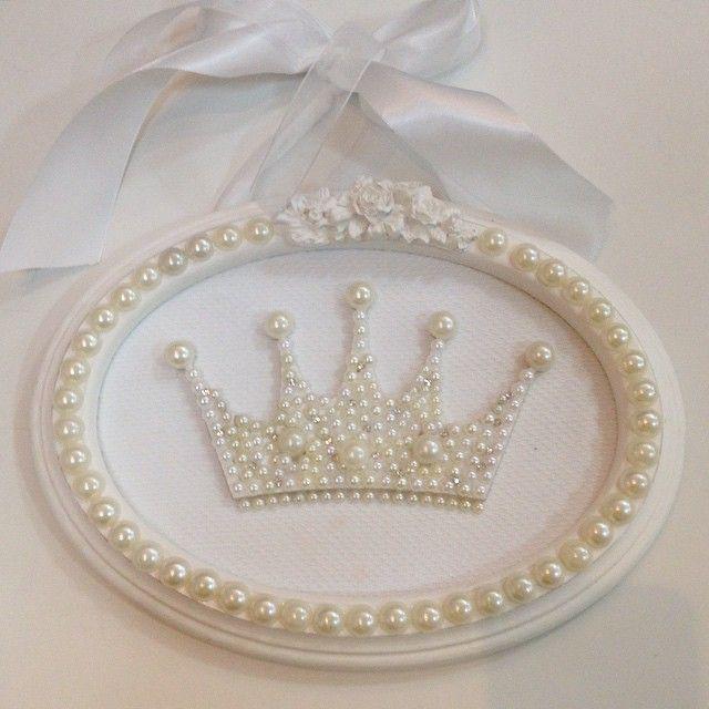 Instagram media babydeluxeenxovais -  #babydeluxe#princess#mãedemenina#decoração#quadro#coroa#mãedeprincesa#quartoinfantil