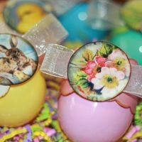 dressed up plastic eggs: Plastic Eggs, Spare Time, Easter Spr, Swap Ideas, Easter Eggs, Eggs Decor, Chocolates Japan