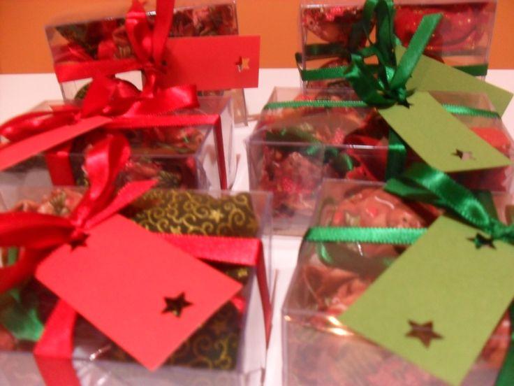 A Gira Craft preparou mimos para um Natal perfumado e iluminado: saches que podem ser pendurados na árvore de natal ou perfumar gavetas e carros. Aromatizadores de ambiente, aromatizador spray para...