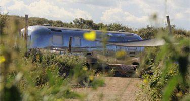 Retro trailer van Kennemerduincamping De Lakens in Bloemendaal aan Zee.