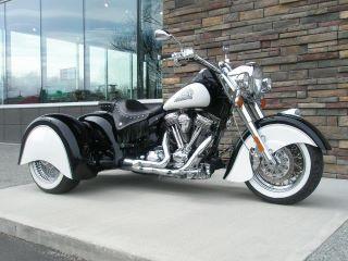 Black and white Harley Davidson trike