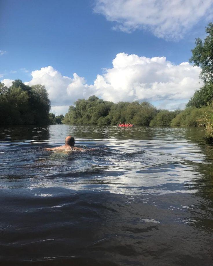 いいね!14件、コメント2件 ― Lifeventureさん(@lifeventureuk)のInstagramアカウント: 「Wild swimming in the Wye Valley #outdooradventure #loveoutdoors #photoshoot #wildswimming…」