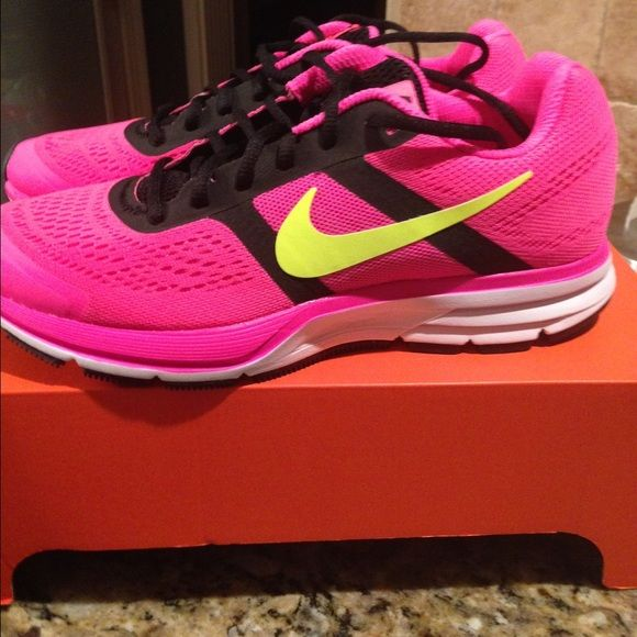Nike Air Pegasus +30 women's running shoe Hyper pink/ black volt, Nike Air Pegasus +30...brand new...great looking shoe...currently selling on Amazon for over $75+ Nike Shoes Athletic Shoes
