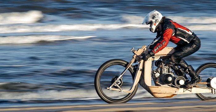 Una increíble motocicleta de madera que funciona con combustible proveniente de algas #tecnologia #eco #motos #sostenible