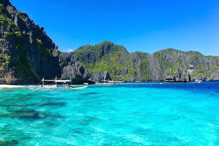 Island hopping guide for El Nido Tour A in the Philippines with tips on what do to, where to stay and how to get there from travel blogger Justin Walter