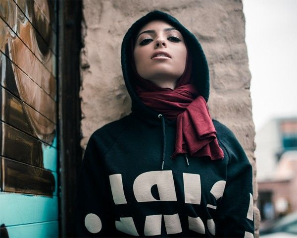 Moda com causa! Muçulmana lança coleção para ajudar no combate ao tráfico humano