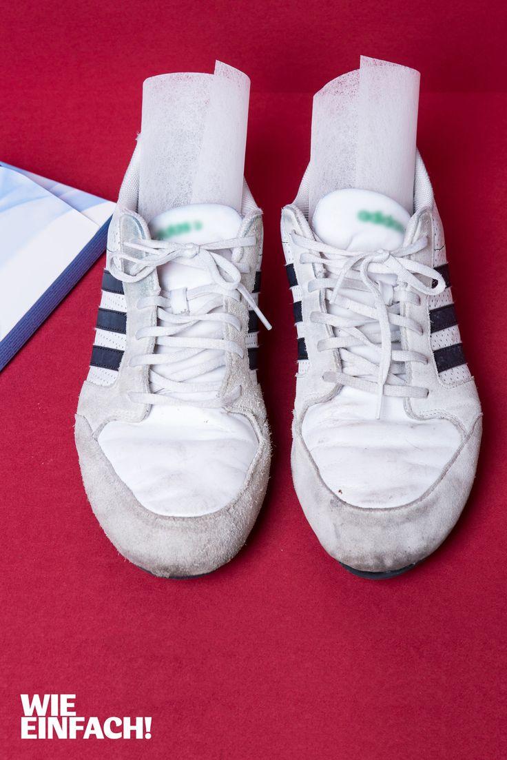 Trocknertücher helfen gegen Schuhgeruch. Einfach jeweils ein Tuch über Nacht in beide Schuhe schieben und an die frische Luft stellen. Foto: Torsten Kollmer