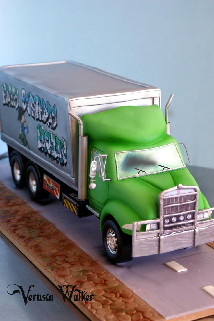 3D Truck by Verusca Walker Tricks and tips at CakesDecor