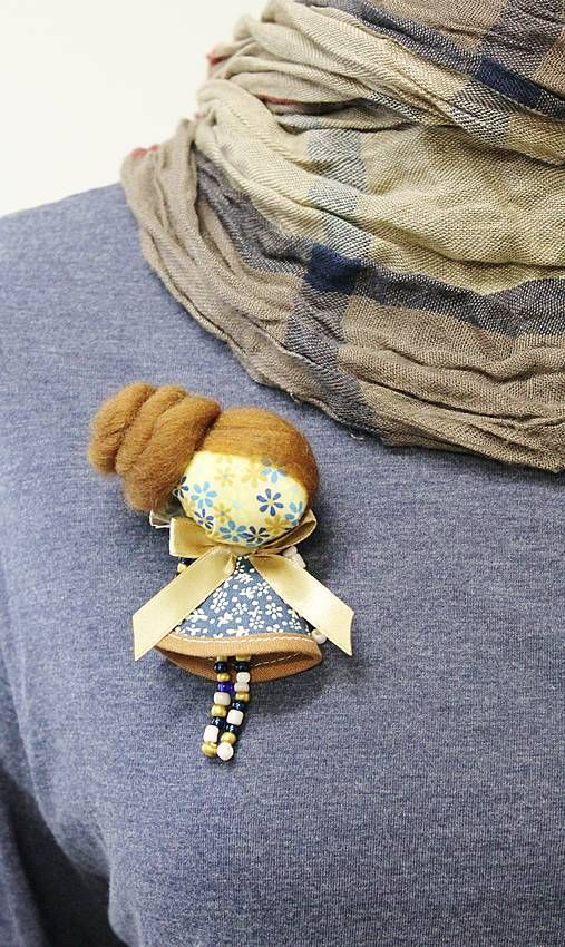 maramanufaktura / brošňa mini MARA lúčna /modro-hnedá /