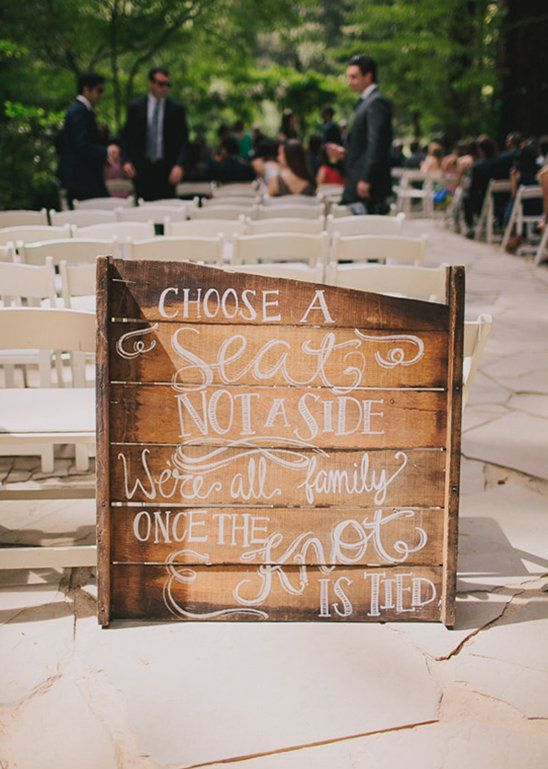 Cute wood palette sign idea