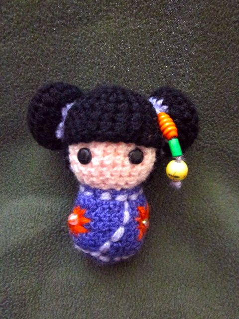 Kokeshi Doll Knitting Pattern : 202 best images about Amigurumis Crochet Tricot on Pinterest Free patte...