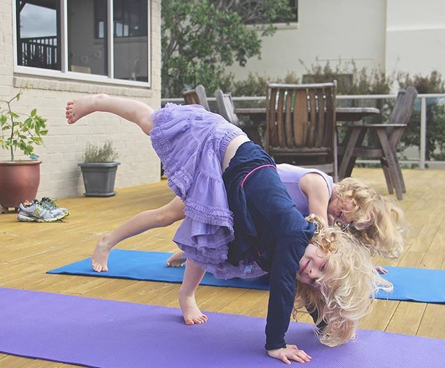 Yoga helps develop body awareness and muscle strength, build concentration, balancing skills, manage stress... The list goes on. 👏🏼 It doesn't even need to be called yoga. A few gentle stretches 10 minutes a day is a great start. 🕉🙏🏽💜🐇 📷Pic is my 2 daughters out on our deck. Lots of stretches and laughs🌸