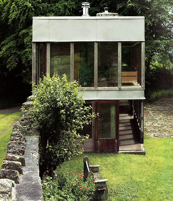 Upper Lawn Pavilion, Fonthill Estate, Tisbury, Wiltshire, 1959-1962. Architects: Alison and Peter Smithson