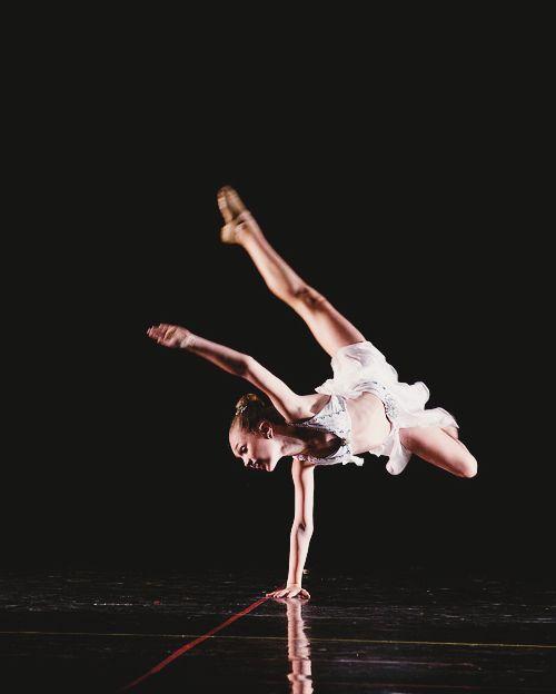 maddie ziegler dancing 2017 - photo #43