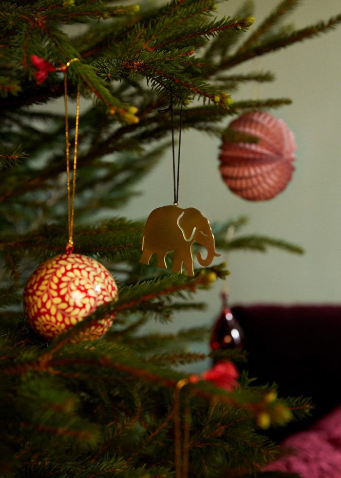 How to decorate this christmas according to your sign. Here is the most inspiring ideas for your livingroom accoring to your horoscope. Here's the best details you won't want to miss.