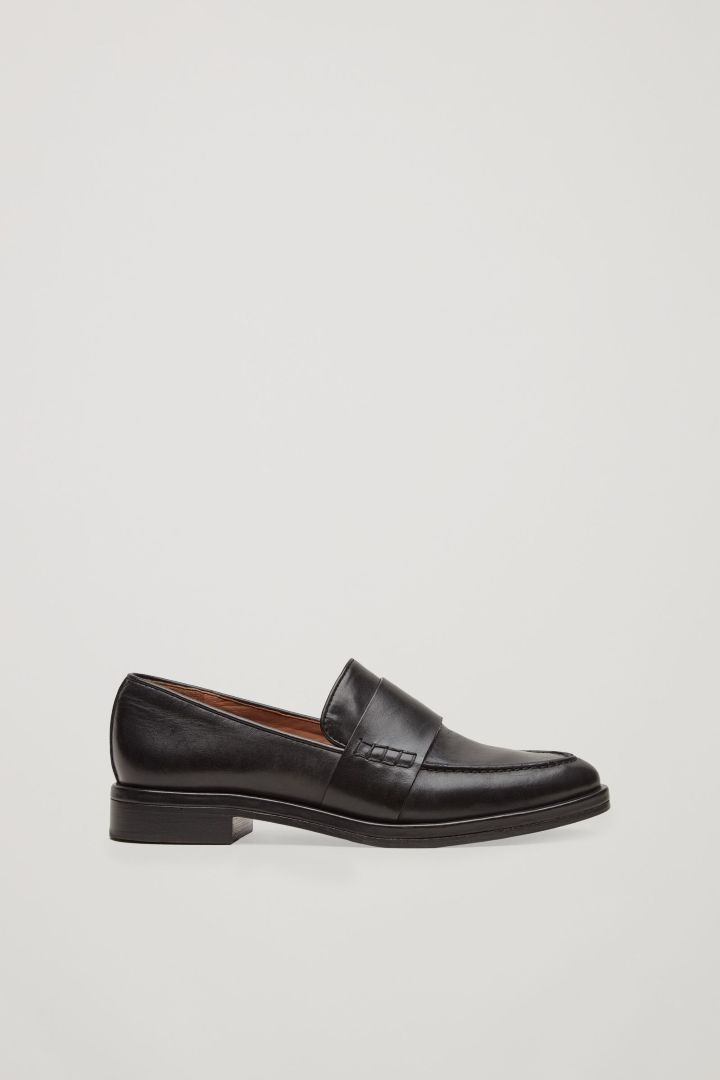 COS | Classic leather loafers