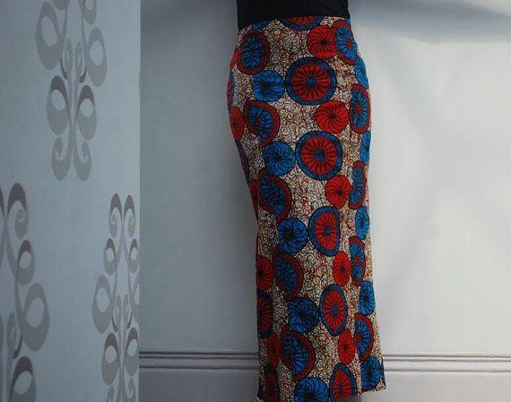 Afrikaanse print lang gepaneelde rok Getailleerde, terug zip  Bekleed Katoen  Maat Small / Medium  Taille 30 inch Heupen 38 inches Lengte 38 inches  Stijl geen: SS15WS03