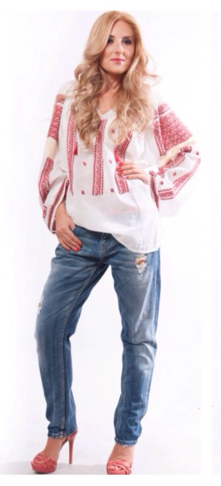 Want a boho chic look? All you need is your favorite jeans and the ethnic blouse by Anilu! More on www.anilu.ro/en