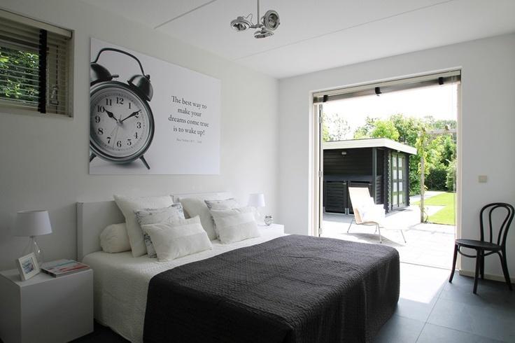 Woning te koop uitgelicht: Steurstraat 7A te Assen   Stelt u zich eens voor: wakker worden op zondagmorgen, de zon piept tussen de shutters door. Je slaat de deuren open, pakt een kopje koffie en kruipt weer even lekker onder de wol. Wie wil dit nou niet?   http://www.funda.nl/koop/assen/huis-48422013-steurstraat-7-a/