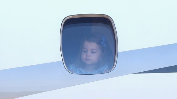 Fotky Принц Джордж ♔ Принцесса Шарлотта Кембриджские – 29 alb