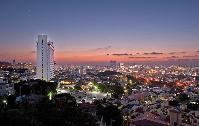 「ダブルツリー by ヒルトン那覇首里城」が開業した。同ホテルは、ダブルツリー by ヒルトン那覇、ヒルトン沖縄北谷リゾートに続く、ヒルトン・ワールドワイドが沖縄で運営する3軒目のホテルとなる。