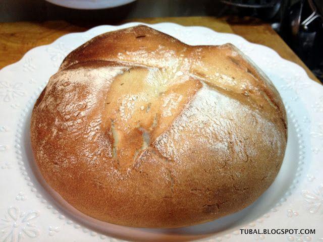PAN EN BOLSA FUSSIONCOOK: Mezclar 180 g de agua, 20 g de aceite, 1 dado de levadura ó 1 sobre levadura seca de panadero, 340 g de harina de fuerza, 1 cucharada de sal, 1 cucharada de miel. Dar forma redonda y hacer cortes con un cuchillo afilado, espolvorearlo con harina, meterlo en la bolsa de asar y cerrarla bien.Dejar reposar unos 30 minutos. Colocar la rejilla y un papel horno, colocar la bola, tapar con válvula abierta y programar menú HORNO, 40 minutos. Dorar en horno.