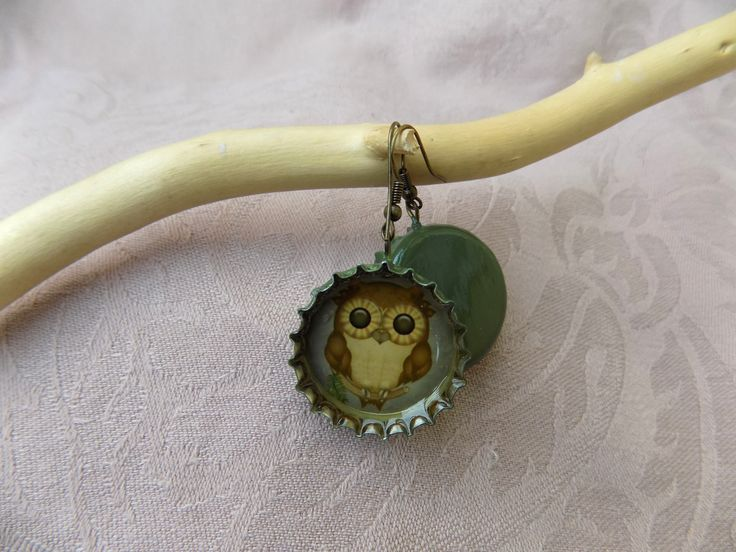 After the necklace and the bookmark, here comes the Big Eye earrings. :)