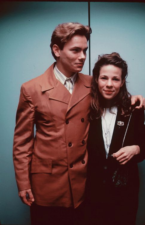 River Phoenix and Lili Taylor