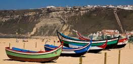 Resultado de imagem para barcos de pesca tradicionais portugueses