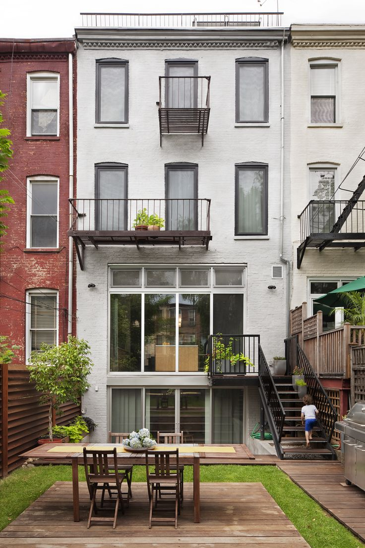 Green design strategies guide the renovation of Brooklyn