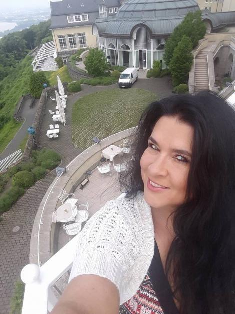 Iris Klein hatte an der Hochzeit ihrer Tochter Daniela Katzenberger etwas auszusetzen.