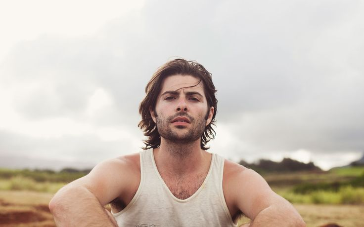robert schwartzman. via: parade.