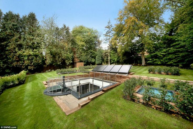 Watch As This Piece Of Land Becomes The Most Efficient Of Homes.... Underground