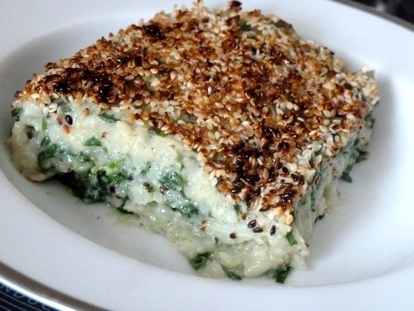 CHOU-FLEUR ÉPINARDS GRATINÉS AU SÉSAME, un duo de légumes à la cuisson modérée : la vapeur pour le chou-fleur et des épinards crus.