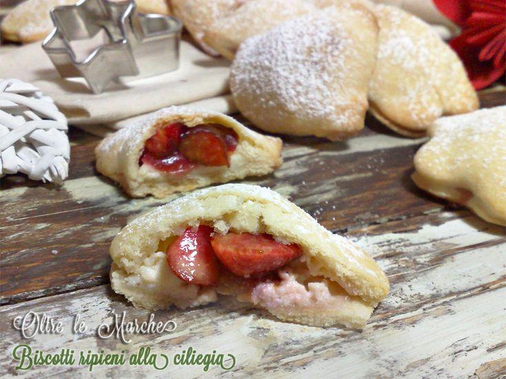 Biscotti ripieni alla ciliegia