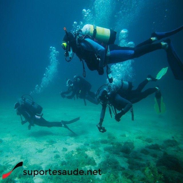 Mergulho: Uma das melhores opções dentro do mar  Mais que uma prática desportiva, o mergulho é uma experiência única para cada  praticante. O contato com o mar,a areia, a brisa marinha, a água salgada no rosto e a observação da natureza, estimulam o estar físico e o psicológico.  O Mergulho, além de evitar o stress, reduzir a pressão arterial, melhorar a circulação sanguínea e o sistema respiratório, aumentar a sua flexibilidade, agilidade e força, permite-lhe desenvolver  a sua relação…