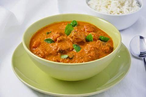 CURRY ROSSO DI MANZO Il curry rosso di manzo è un piatto etnico gustoso e profumato. La pasta di curry conferisce al piatto un sapore speziato e un profumo intensi. Il curry di manzo è un secondo piatto piccante, perfetto se accompagnato dal riso basmati. #lacucinaimperfetta #ricette #recipes #curry #secondipiatti