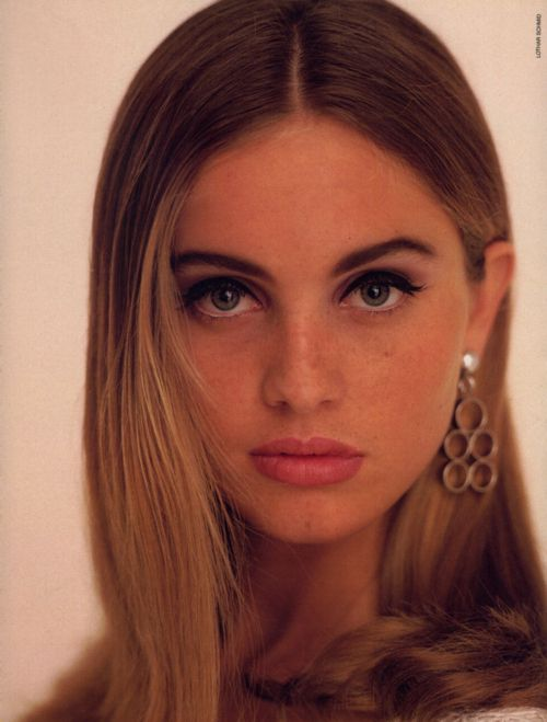 Elle Germany, May 1990 Photographer : Lothar Schmid Model : Beri ...