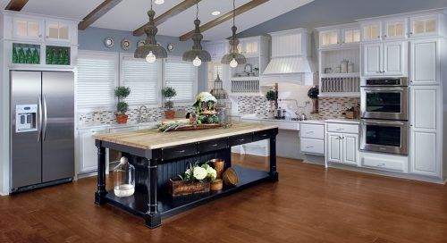 Popular Kitchen Ideas with Kraftmaid Cabinets #ModernKitchen #MinimalistKitchen #ModernInterior #MinimalistInterior