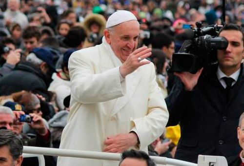 El Papa: El cuerpo de cada uno es resonancia de eternidad y debe ser respetado