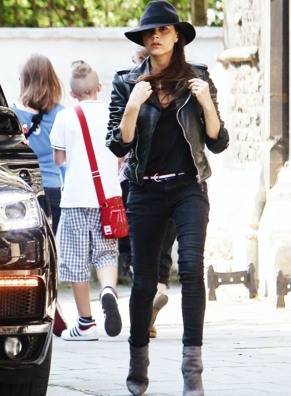 Victoria Beckham 2013 Street Style Style Everyday Chic
