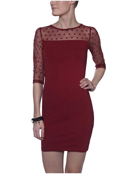 siyah gece elbiseleri, mavi elbiseler, kırmızı modeller ile koleksiyonu renklendiren Only, tül detaylar, transparan elbiseler, peplum elbise modelleri, kısa gece elbiseleri, önü uzun arkası kısa elbiseler, çiçek desenli modelleri, derin yırtmaçları, hoş dekolteleri, puantiyeli elbiseleri #elbise #abiye #only