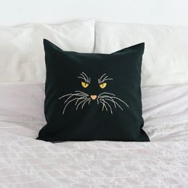 Make an embroidery cat pillow - free pattern